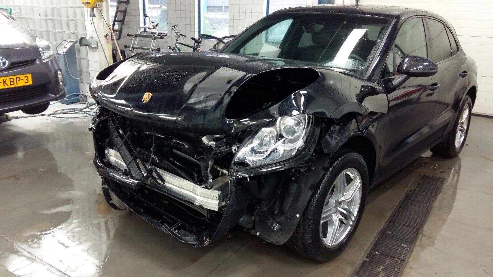 autoschade reparatie autoreparatie auto repareren
